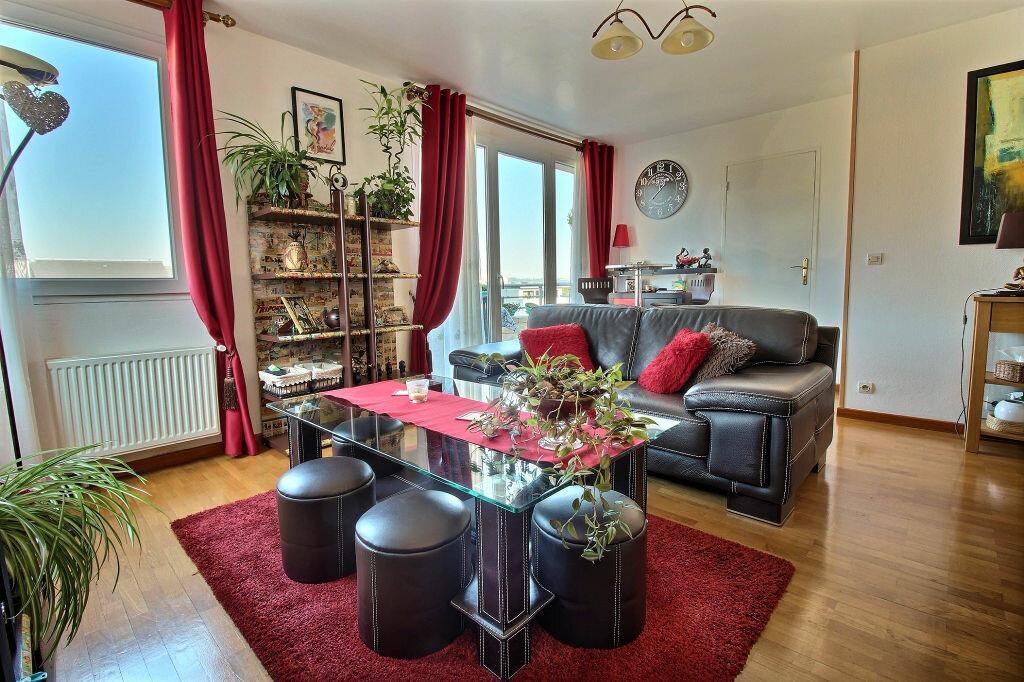 Achat Appartement 3 pièces à Viry-Châtillon - vignette-1