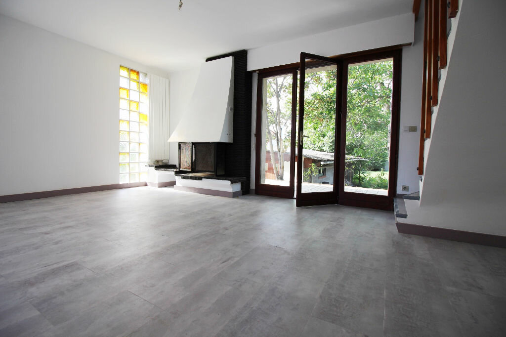 Achat Maison 5 pièces à Viry-Châtillon - vignette-4