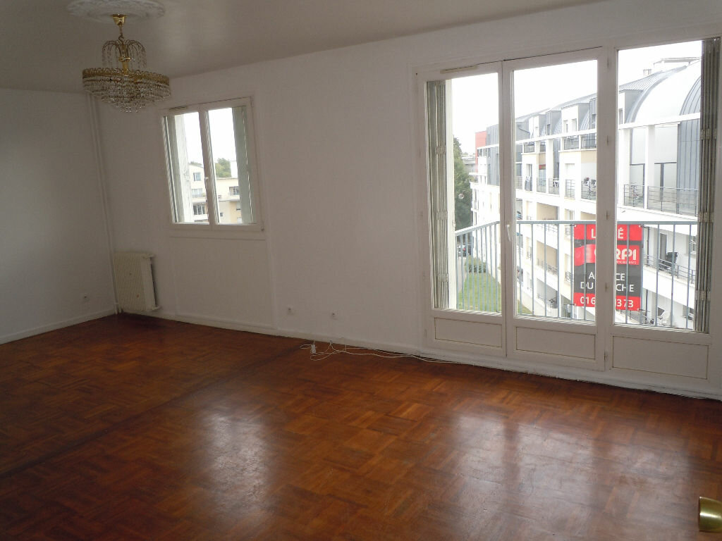 Location Appartement 3 pièces à Brétigny-sur-Orge - vignette-1