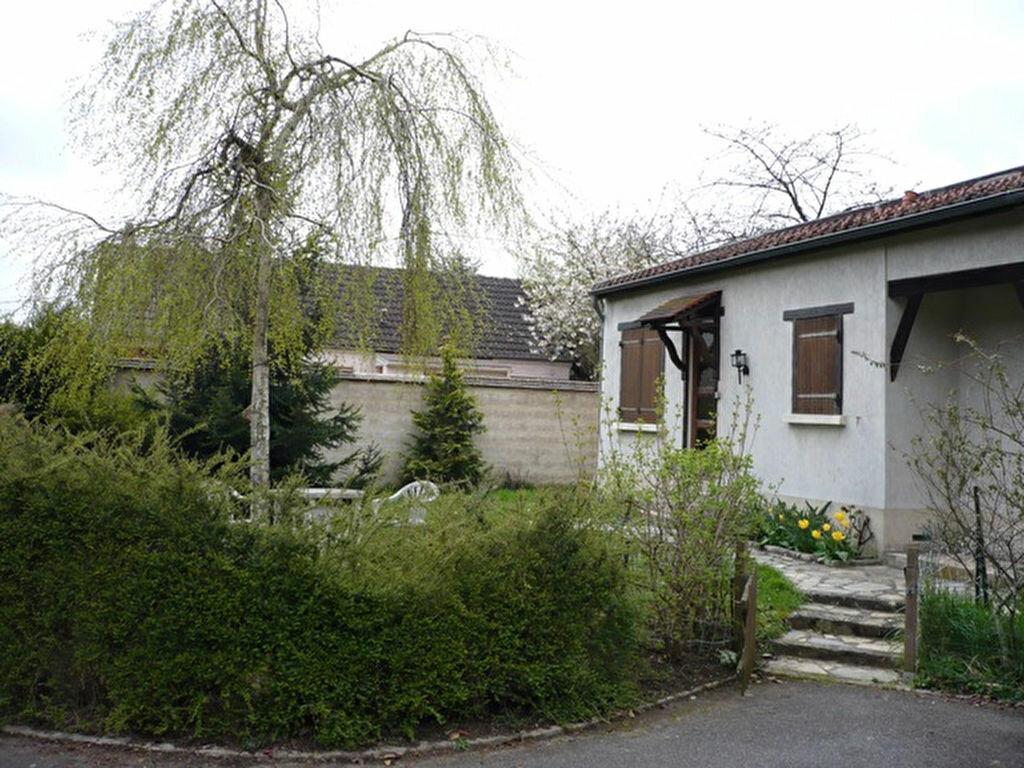Location Maison 1 pièce à Nozay - vignette-1