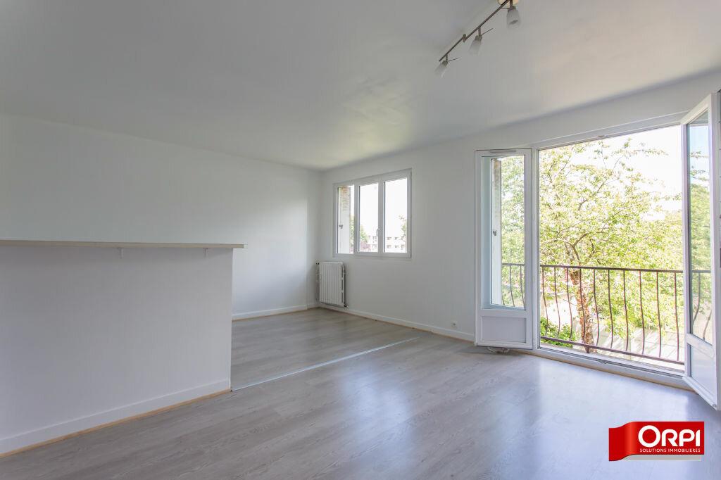 Location Appartement 4 pièces à Brétigny-sur-Orge - vignette-1