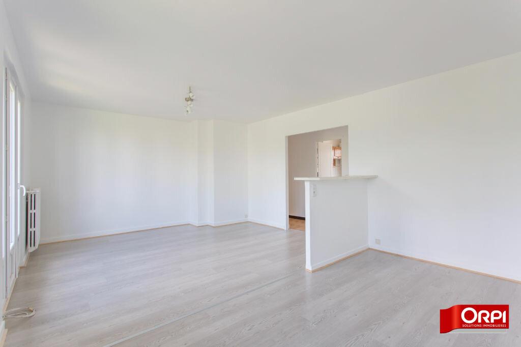 Location Appartement 4 pièces à Brétigny-sur-Orge - vignette-2