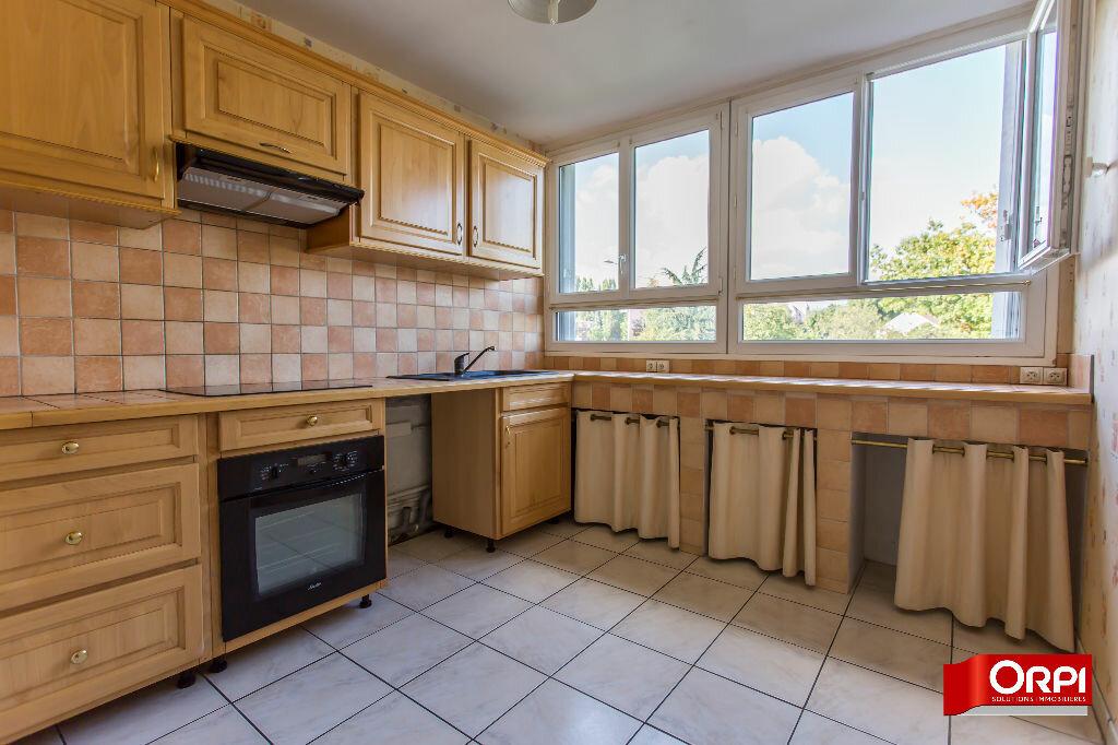 Location Appartement 3 pièces à Saint-Michel-sur-Orge - vignette-1