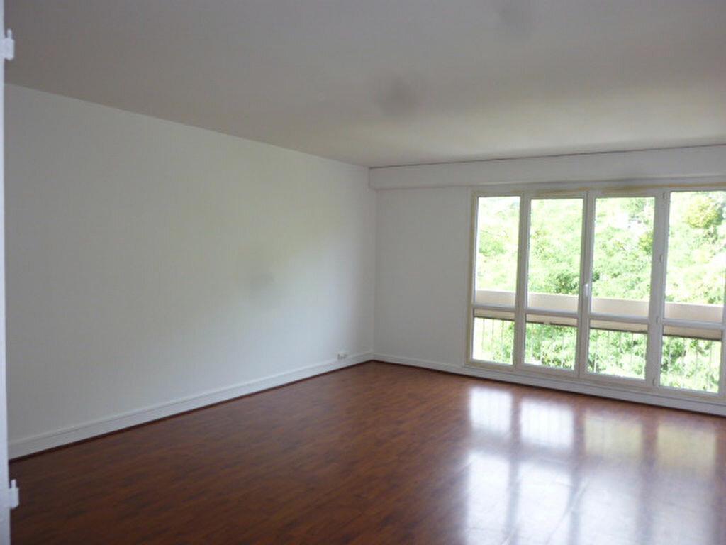 Location Appartement 2 pièces à Saint-Michel-sur-Orge - vignette-1