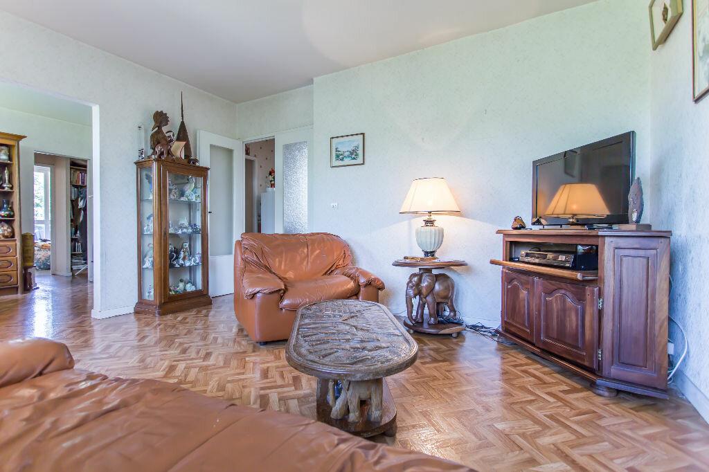 Achat Appartement 5 pièces à Saint-Michel-sur-Orge - vignette-1
