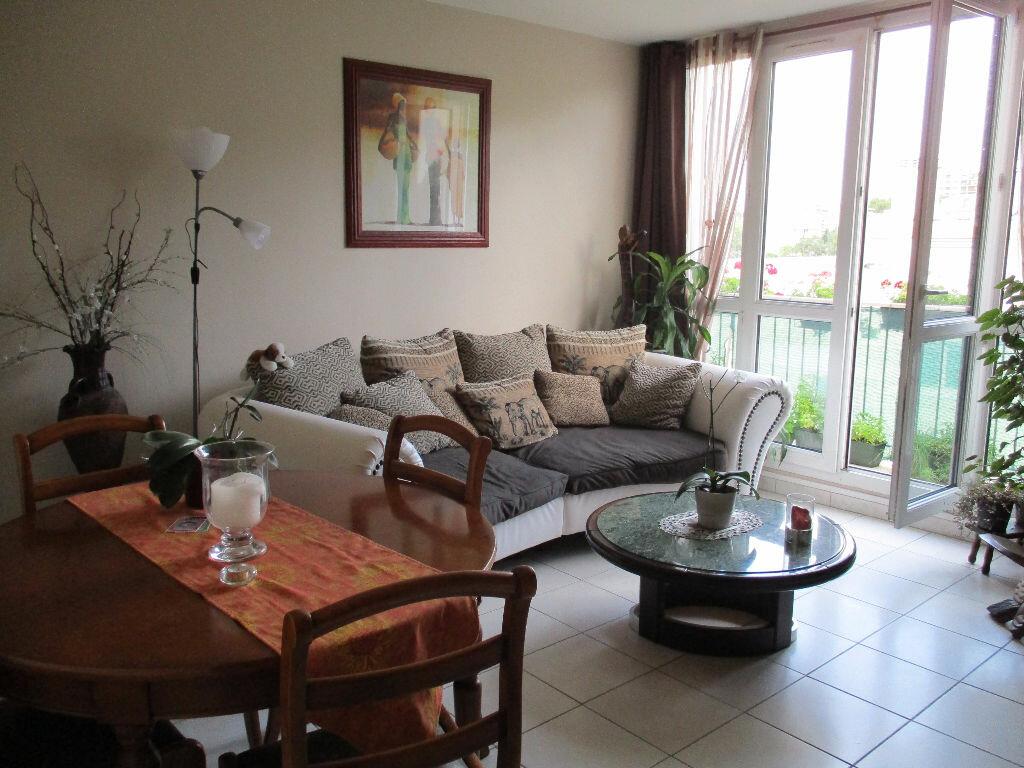 Achat Appartement 3 pièces à Saint-Michel-sur-Orge - vignette-1