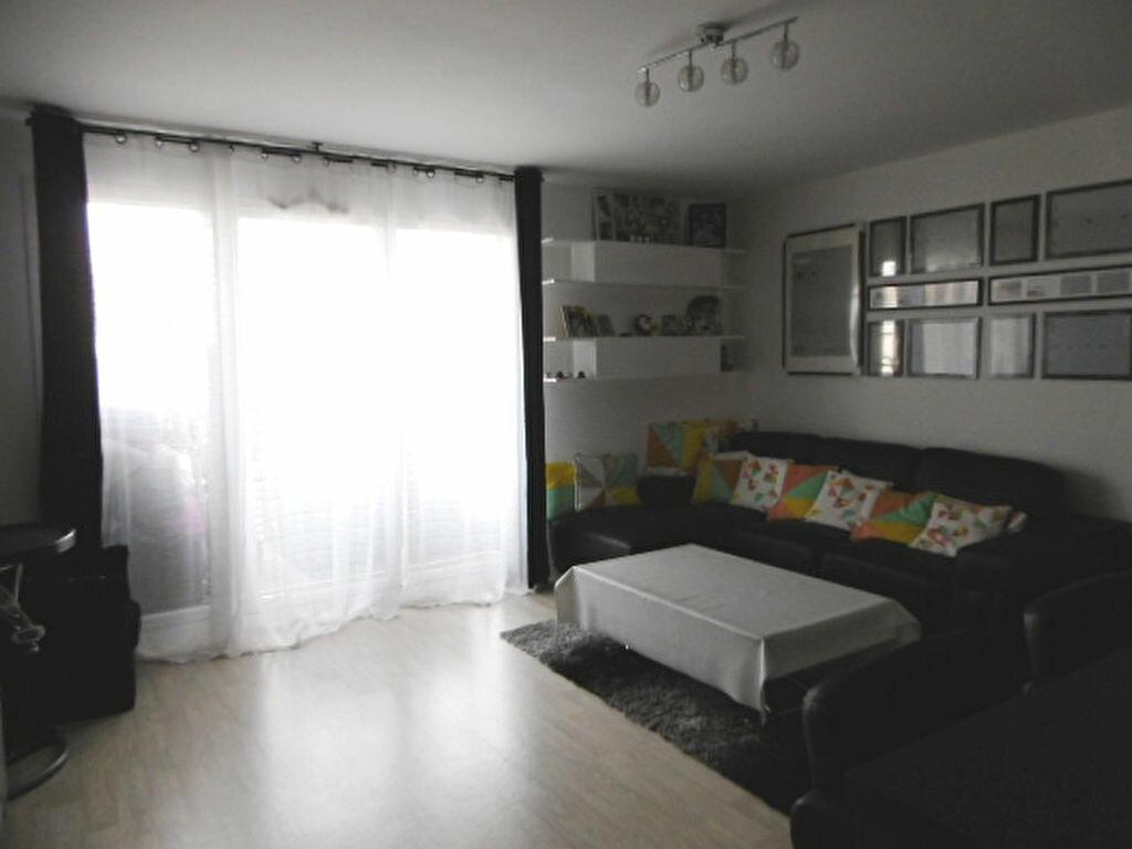 Achat Appartement 4 pièces à Bondoufle - vignette-2