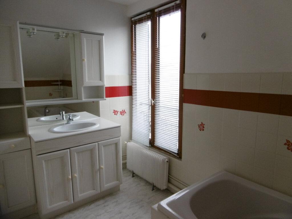 Location Maison 5 pièces à La Ville-du-Bois - vignette-8