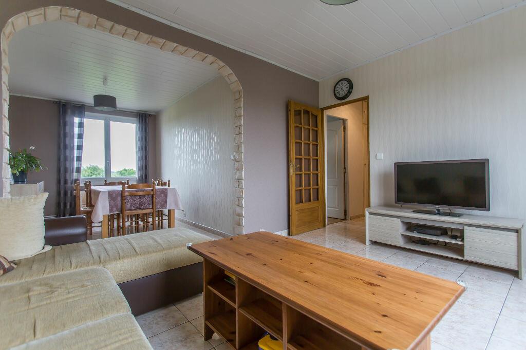 Achat Appartement 4 pièces à Sainte-Geneviève-des-Bois - vignette-4