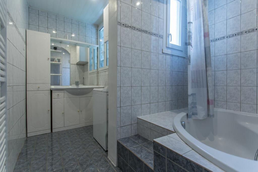 Achat Appartement 4 pièces à Sainte-Geneviève-des-Bois - vignette-9