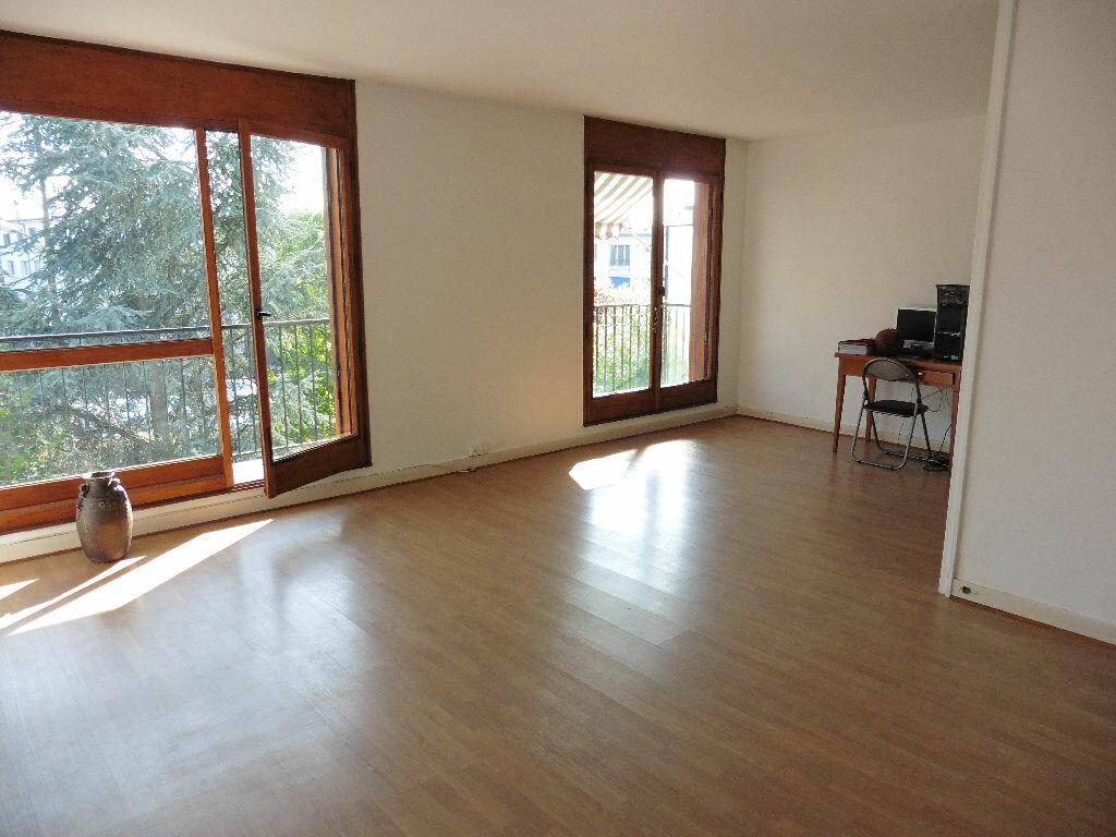 Achat Appartement 4 pièces à Saint-Michel-sur-Orge - vignette-1