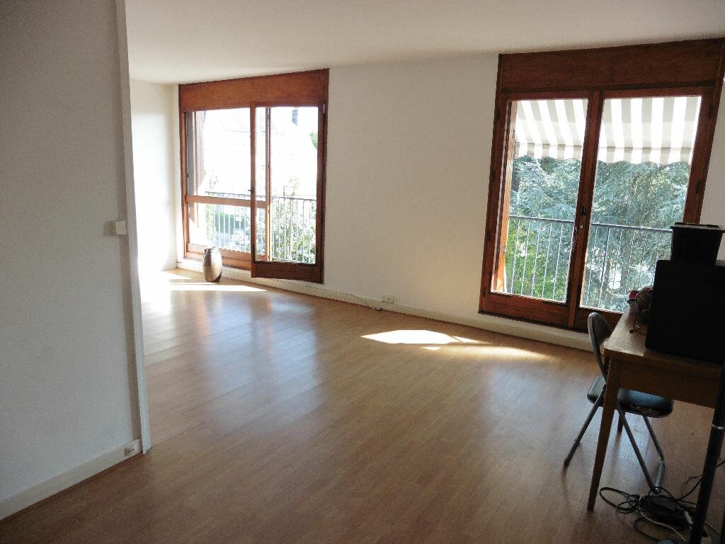 Achat Appartement 4 pièces à Saint-Michel-sur-Orge - vignette-2
