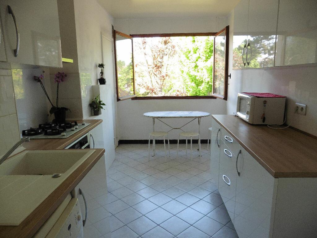 Achat Appartement 4 pièces à Saint-Michel-sur-Orge - vignette-4