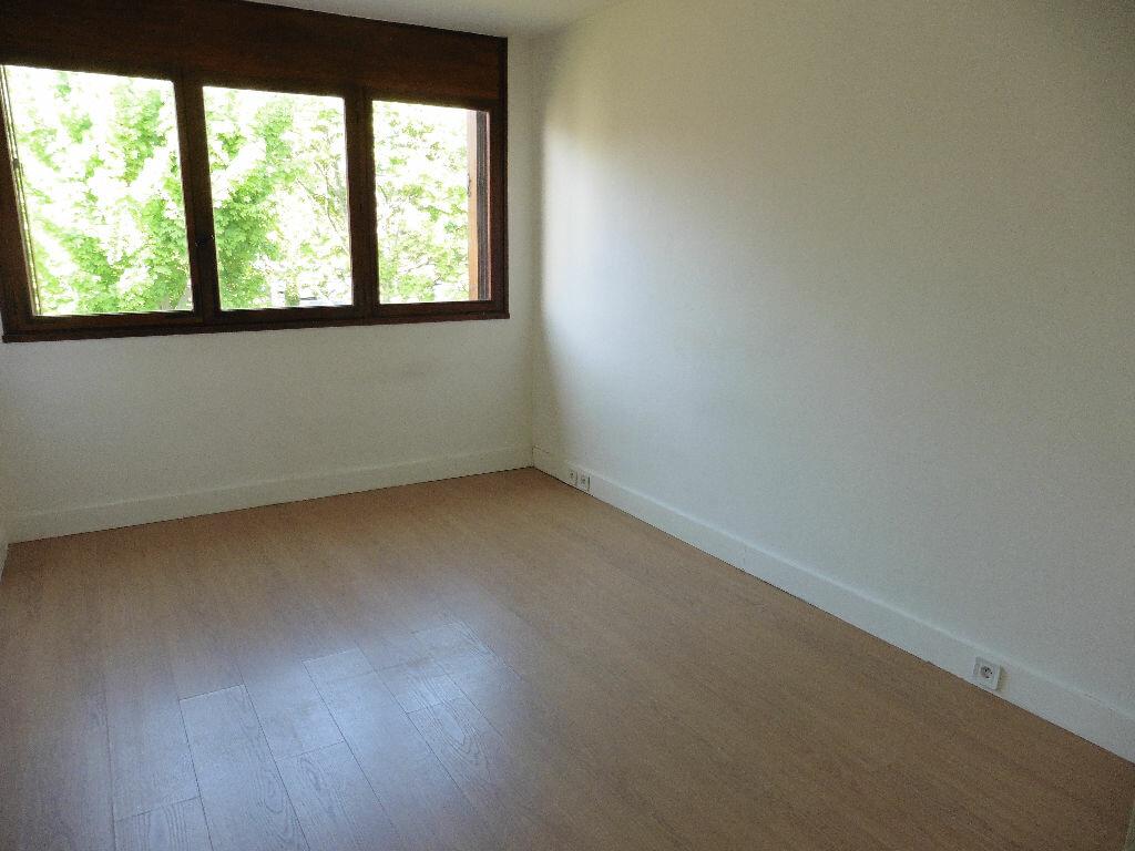 Achat Appartement 4 pièces à Saint-Michel-sur-Orge - vignette-7
