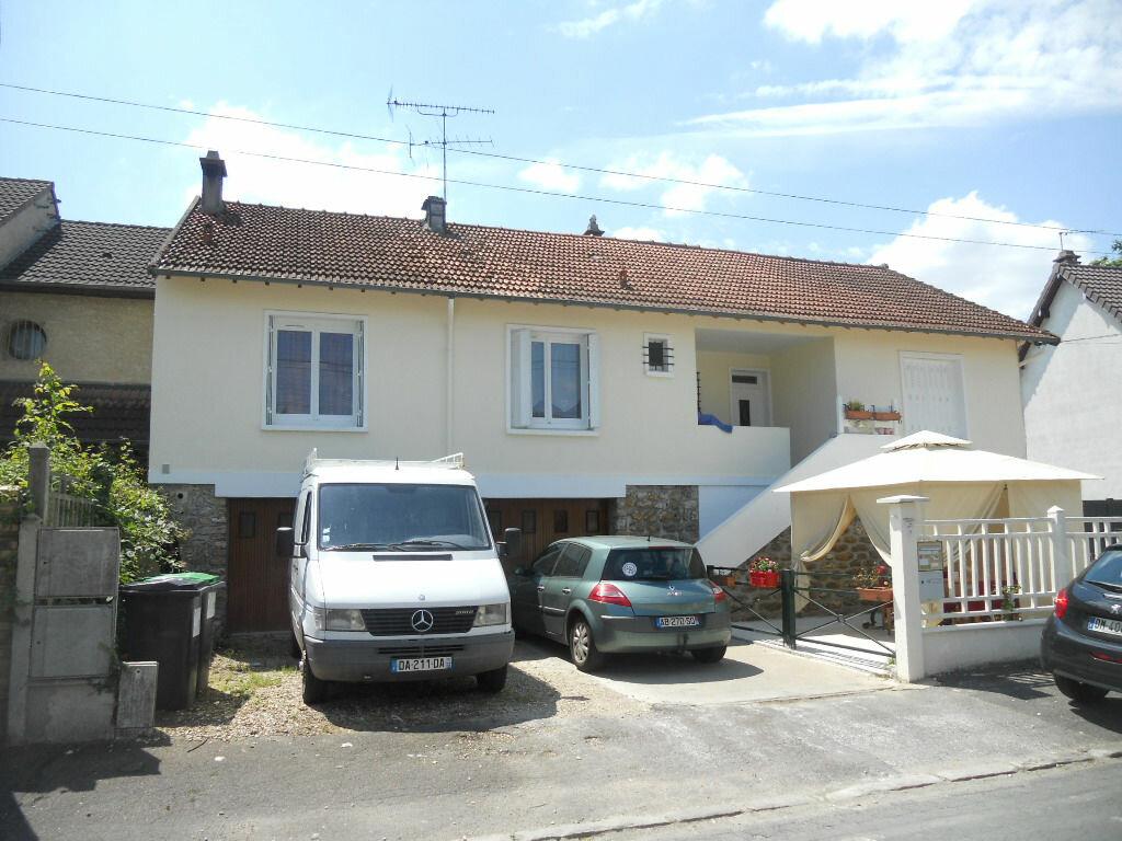 Achat Maison 11 pièces à Sainte-Geneviève-des-Bois - vignette-1