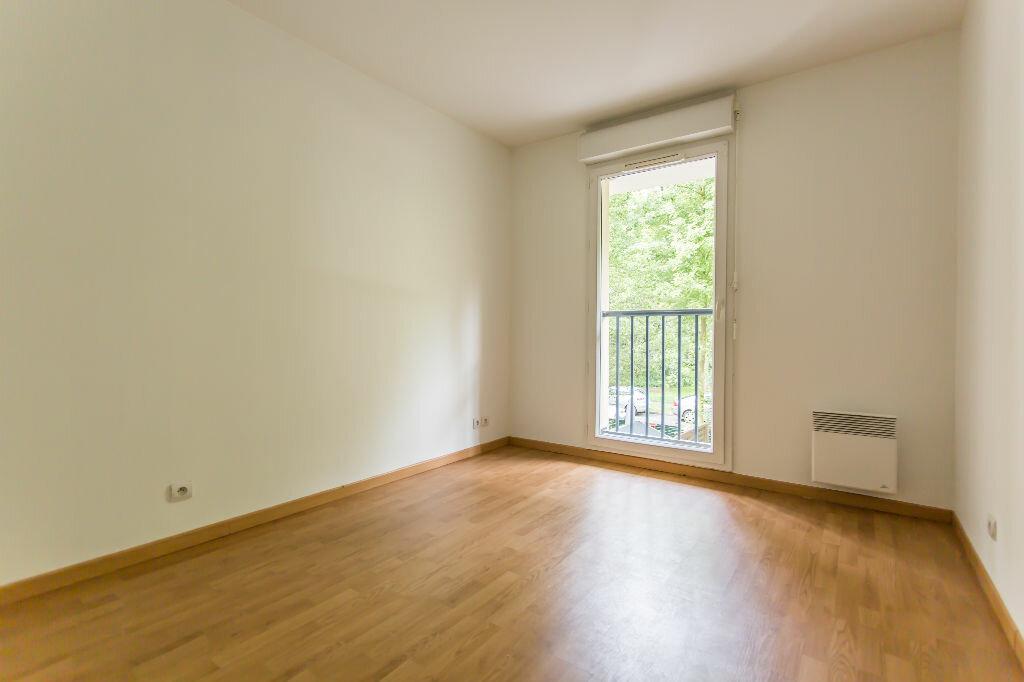 Achat Appartement 4 pièces à Sainte-Geneviève-des-Bois - vignette-6
