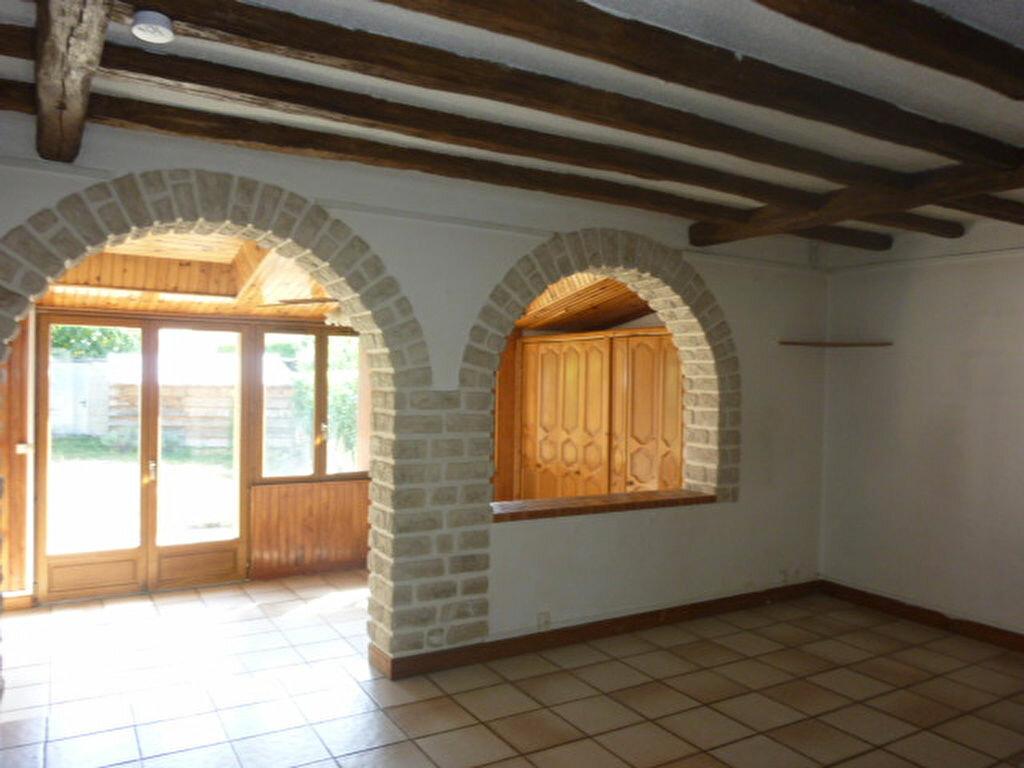 Location Maison 4 pièces à Sainte-Geneviève-des-Bois - vignette-1