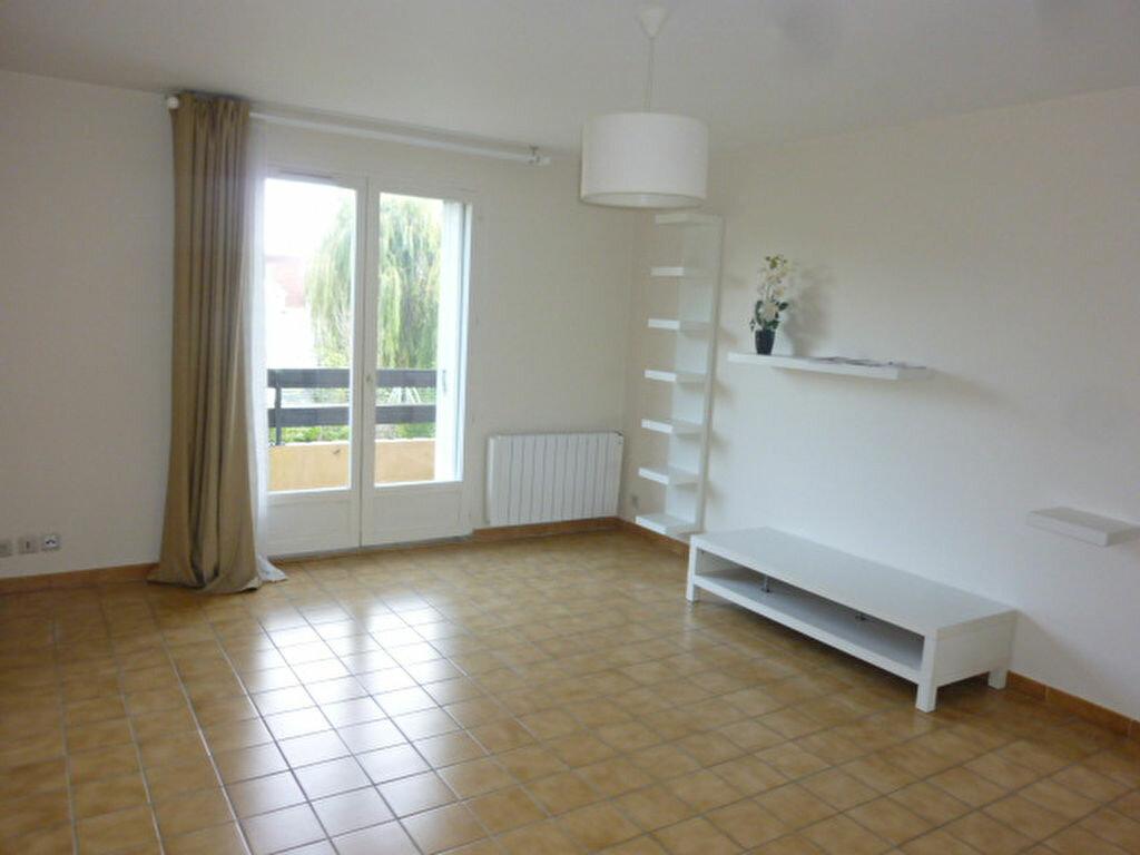 Location Appartement 2 pièces à Brétigny-sur-Orge - vignette-1
