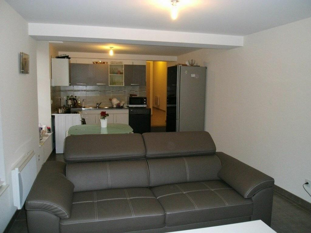 Achat Appartement 3 pièces à Bâgé-le-Châtel - vignette-1