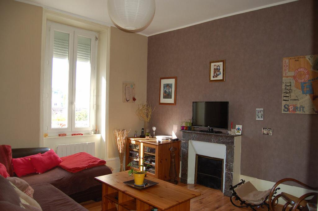 Achat Appartement 4 pièces à Périgueux - vignette-2