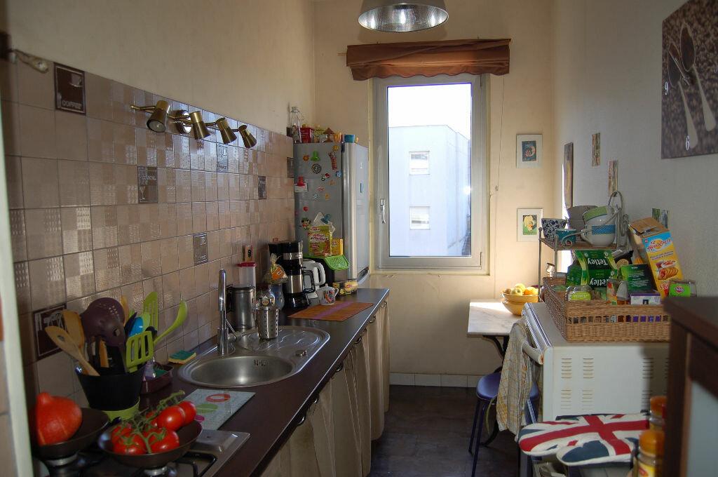 Achat Appartement 4 pièces à Périgueux - vignette-3