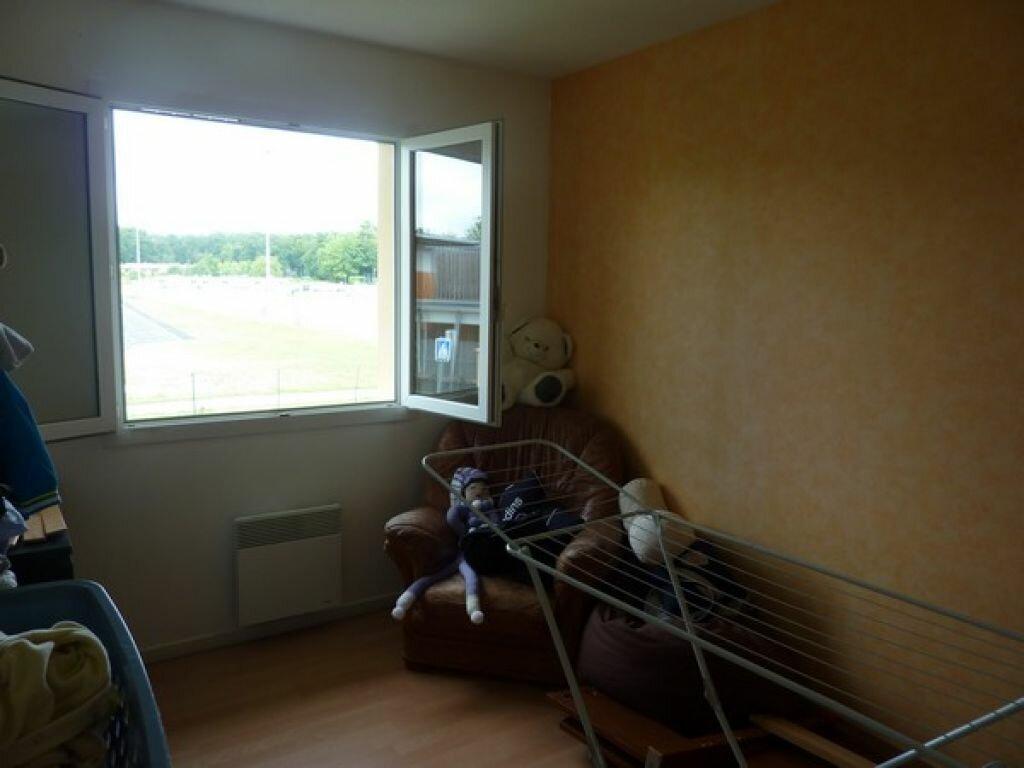 Achat Appartement 3 pièces à Saint-Astier - vignette-2