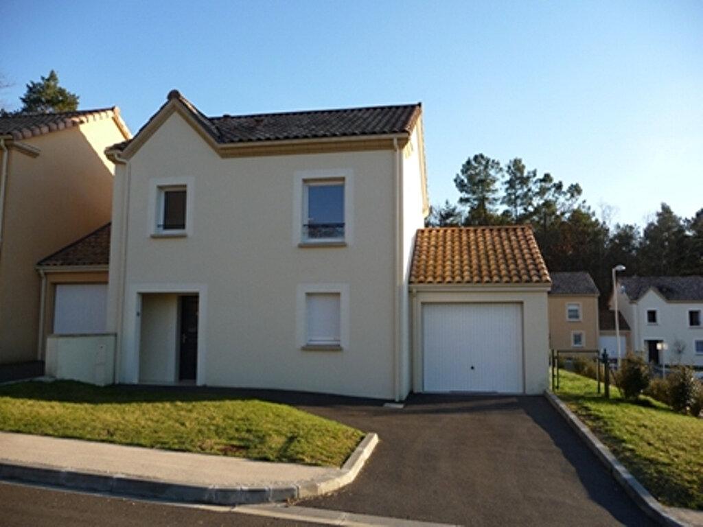 Location Maison 4 pièces à Champcevinel - vignette-1
