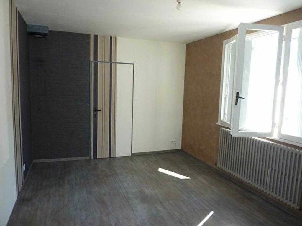 Achat Maison 3 pièces à Saint-Germain-du-Salembre - vignette-4