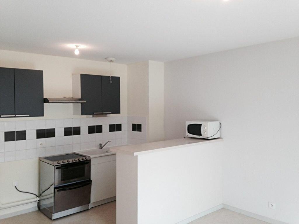 Location Appartement 2 pièces à Champcevinel - vignette-1