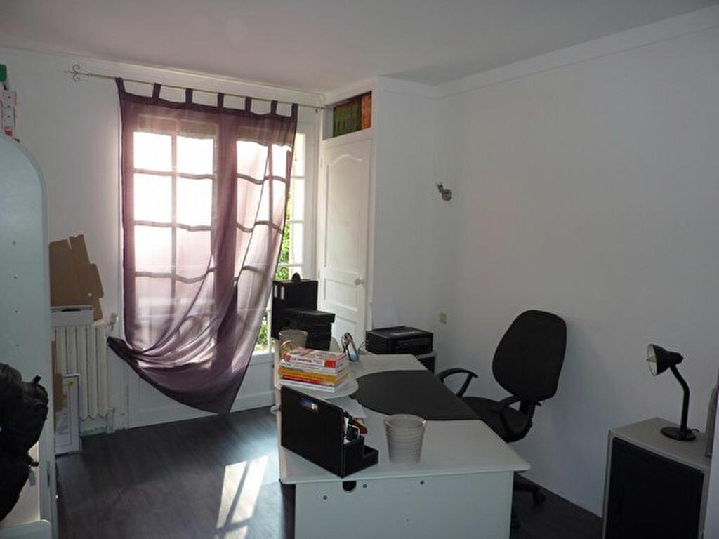 Achat Maison 5 pièces à Saint-Germain-du-Salembre - vignette-8