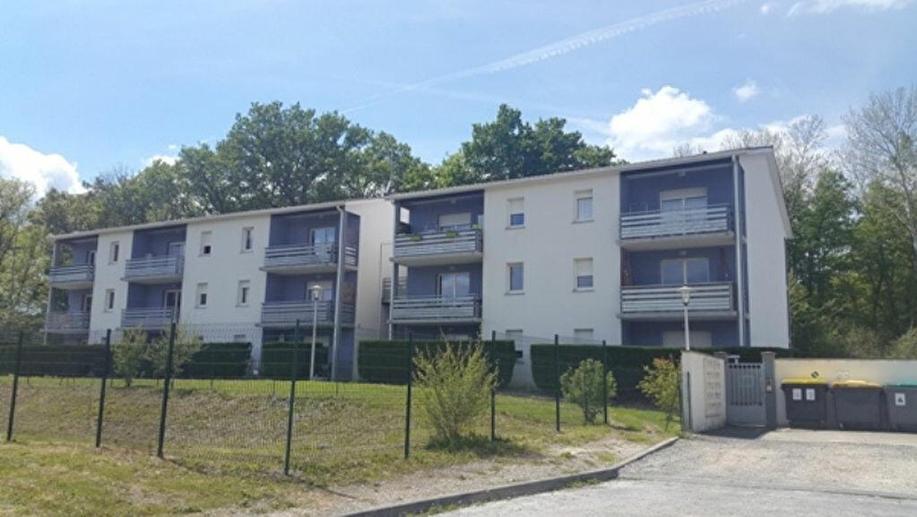 Location Appartement 2 pièces à Saint-Astier - vignette-1
