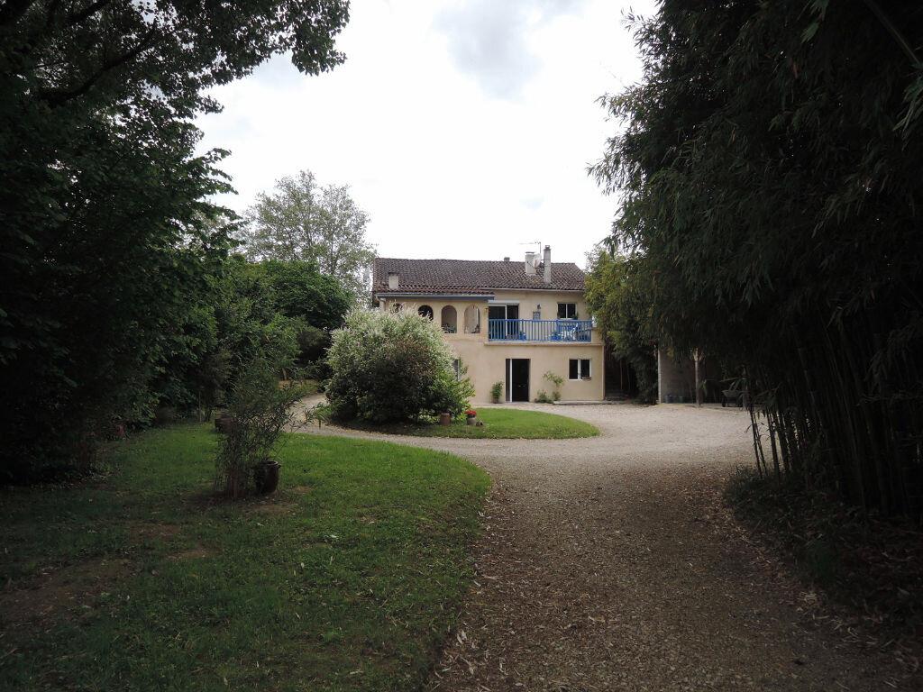 Achat Maison 7 pièces à Sarliac-sur-l'Isle - vignette-1