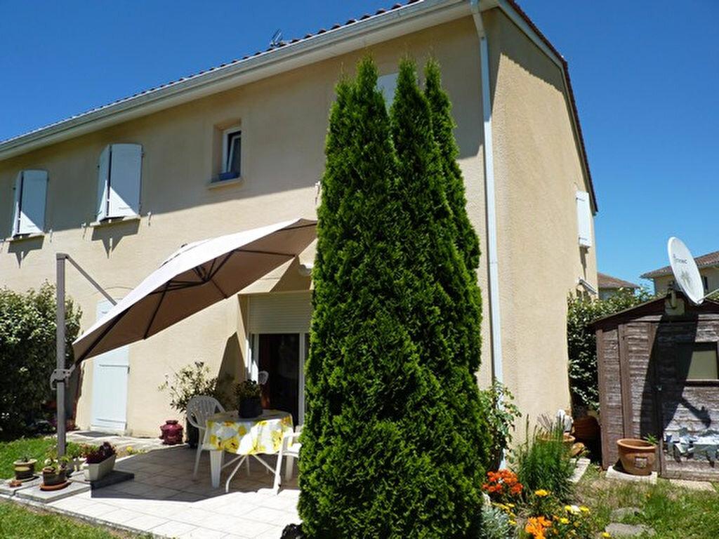 Achat Appartement 3 pièces à Saint-Astier - vignette-1