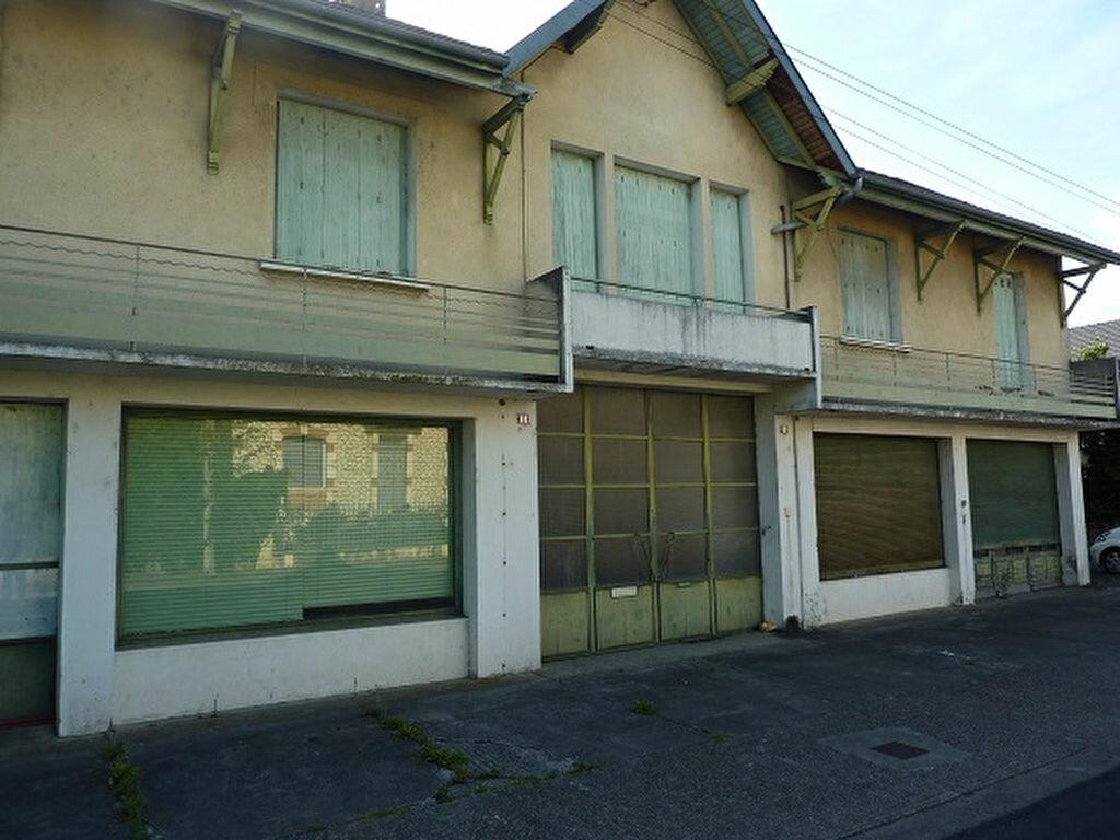 Achat Immeuble  à Saint-Astier - vignette-1