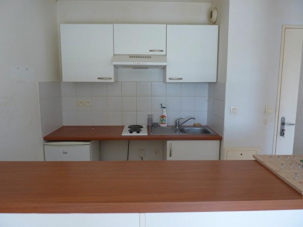 Achat Appartement 2 pièces à Saint-Astier - vignette-2