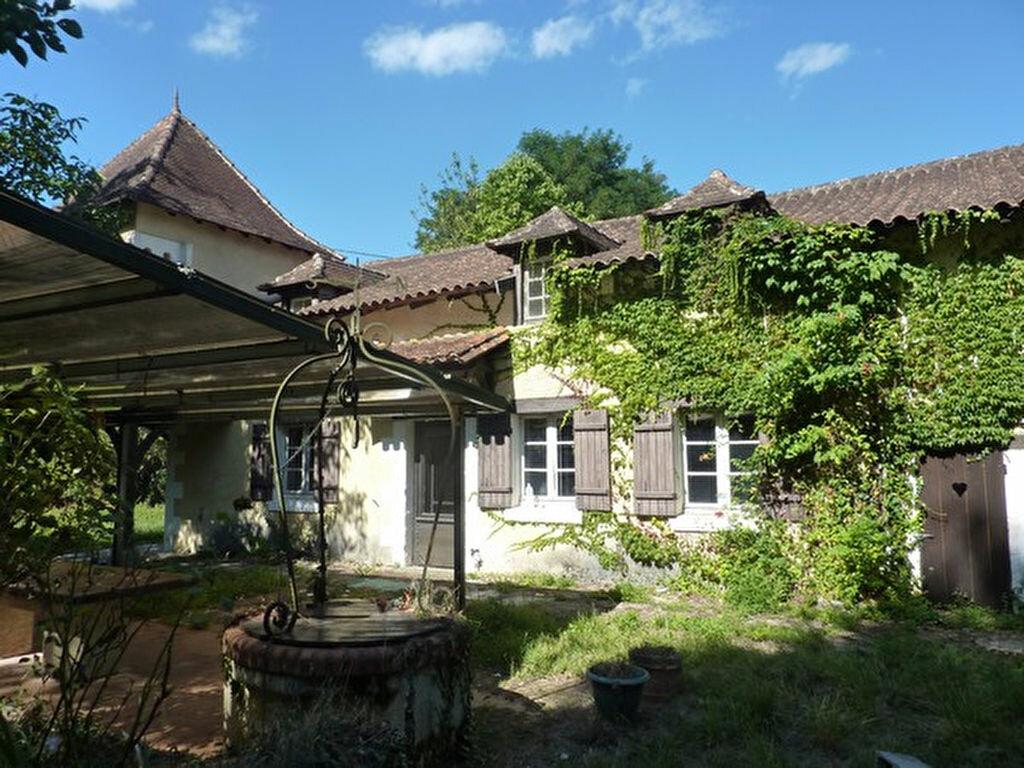 Achat Maison 5 pièces à Saint-Astier - vignette-1