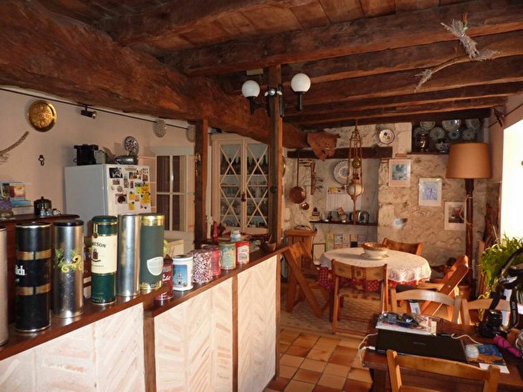 Achat Maison 6 pièces à Saint-Aquilin - vignette-6
