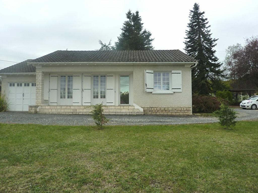 Location Maison 4 pièces à Neuvic - vignette-1