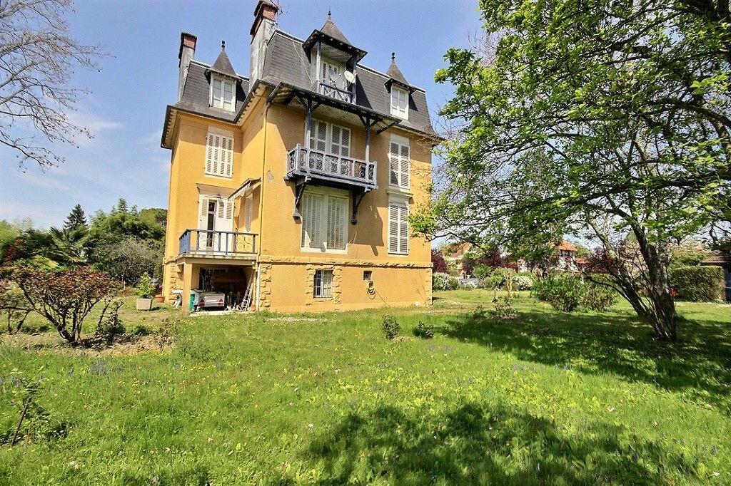 Achat Maison 9 pièces à Pau - vignette-1