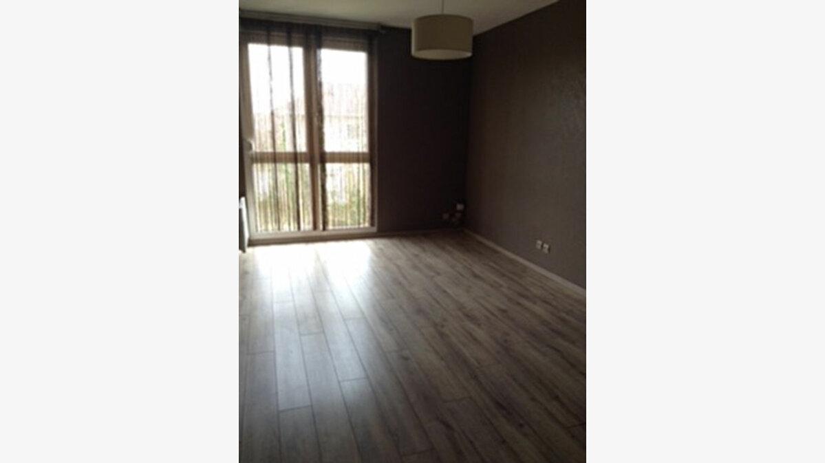Achat Appartement 1 pièce à Lons - vignette-1
