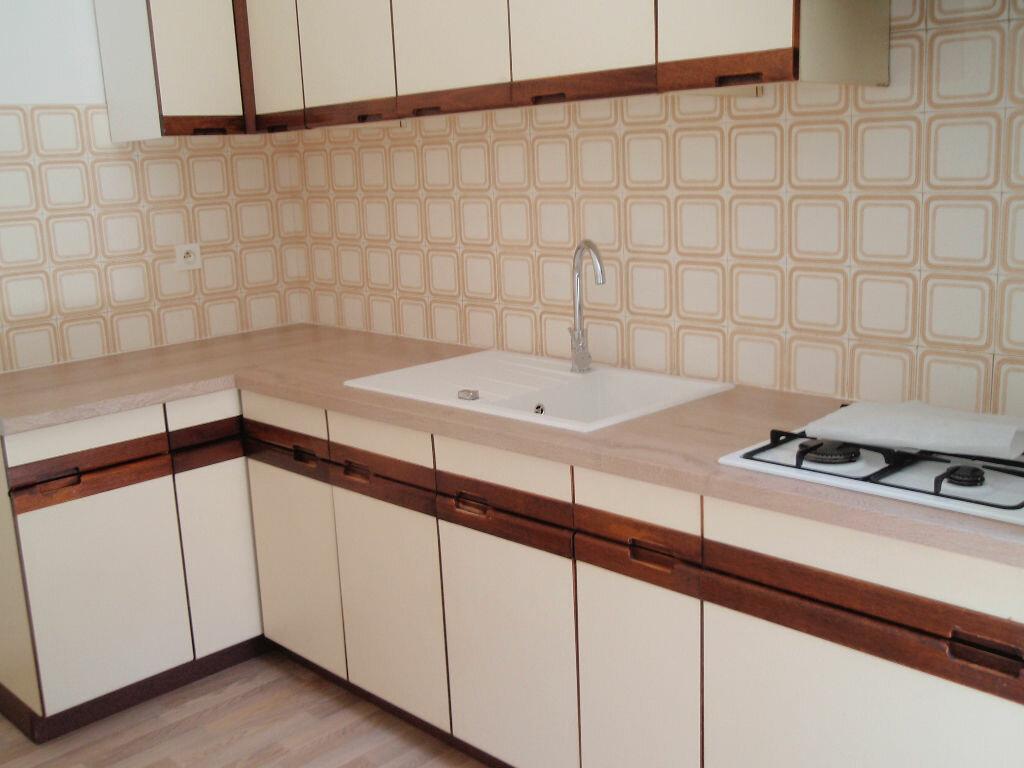 Location Appartement 3 pièces à Nay - vignette-1