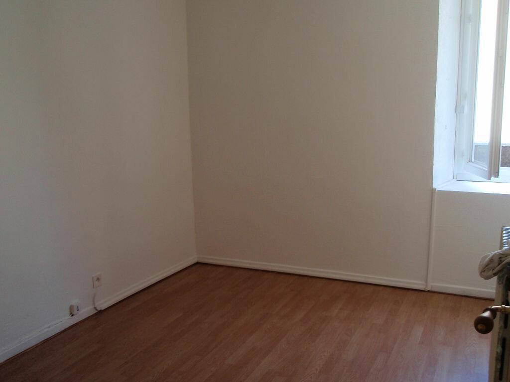 Location Appartement 3 pièces à Nay - vignette-5