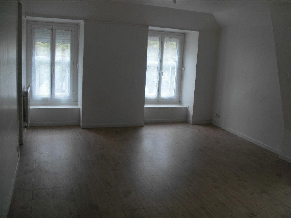 Location Appartement 3 pièces à Nay - vignette-2
