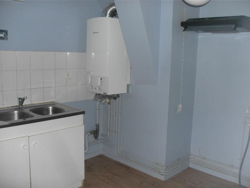 Location Appartement 3 pièces à Nay - vignette-3