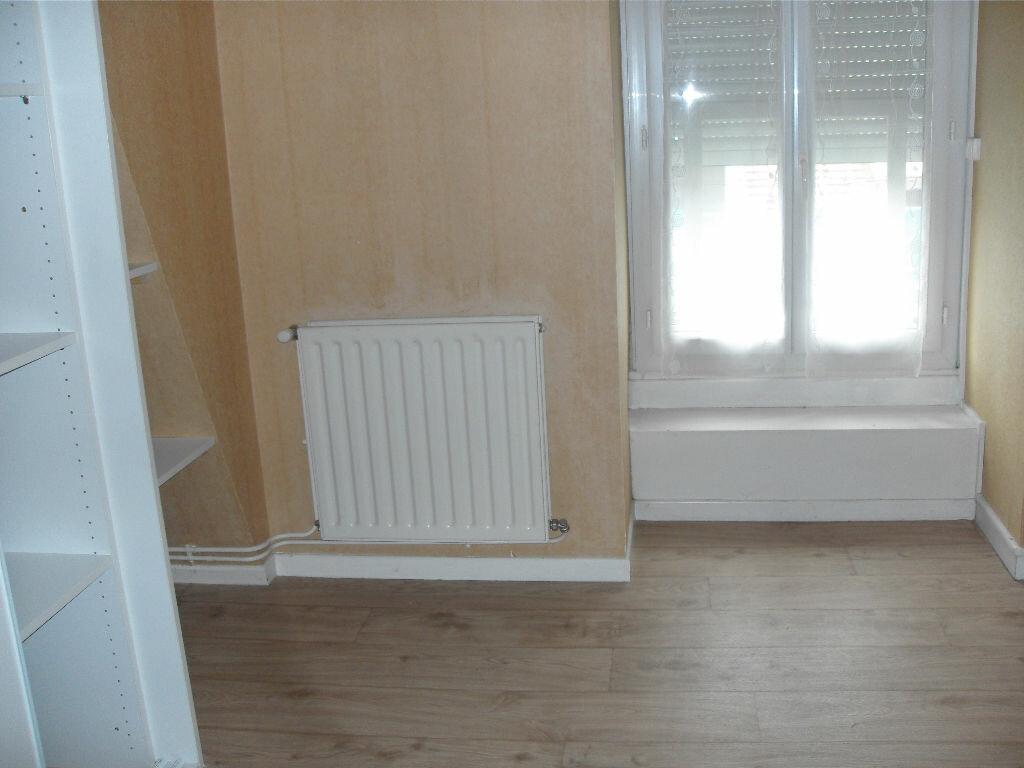 Location Appartement 3 pièces à Nay - vignette-4