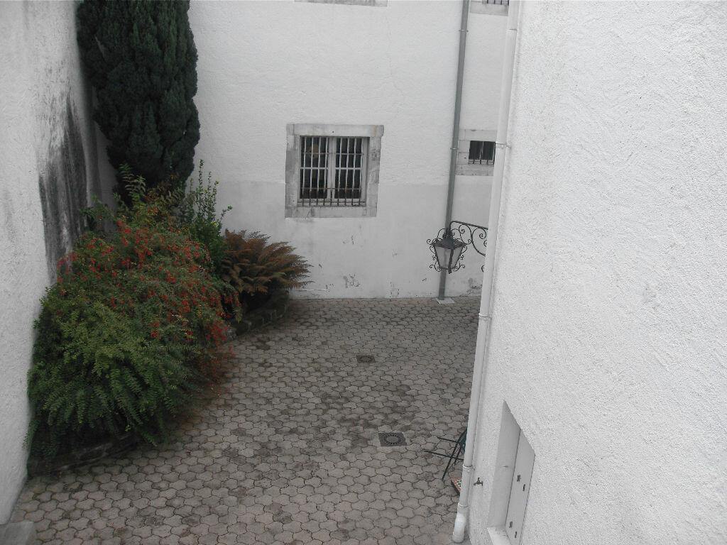 Location Appartement 4 pièces à Nay - vignette-5