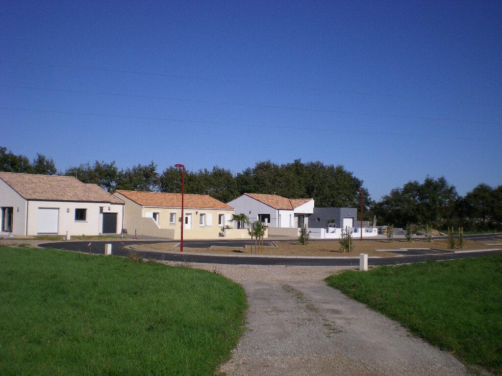 Achat Terrain  à Grosbreuil - vignette-1