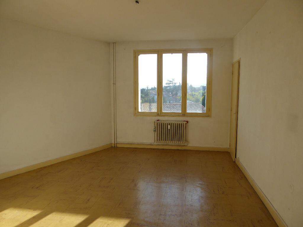 Achat Appartement 3 pièces à Aubenas - vignette-13