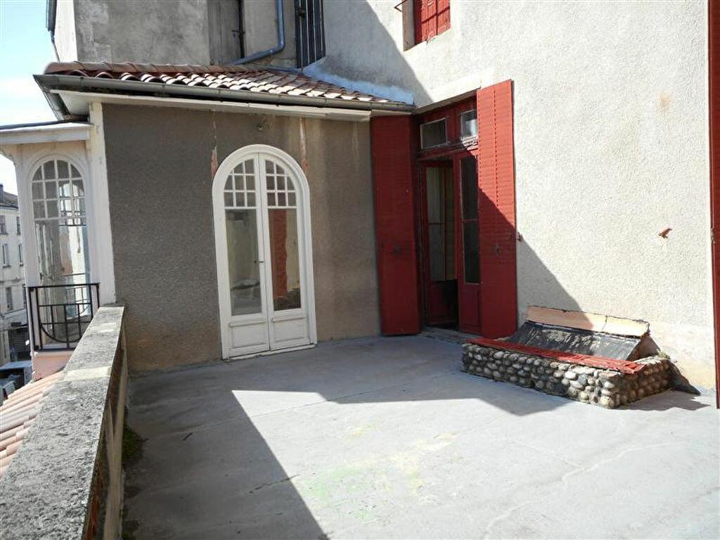 Achat Appartement 6 pièces à Aubenas - vignette-1