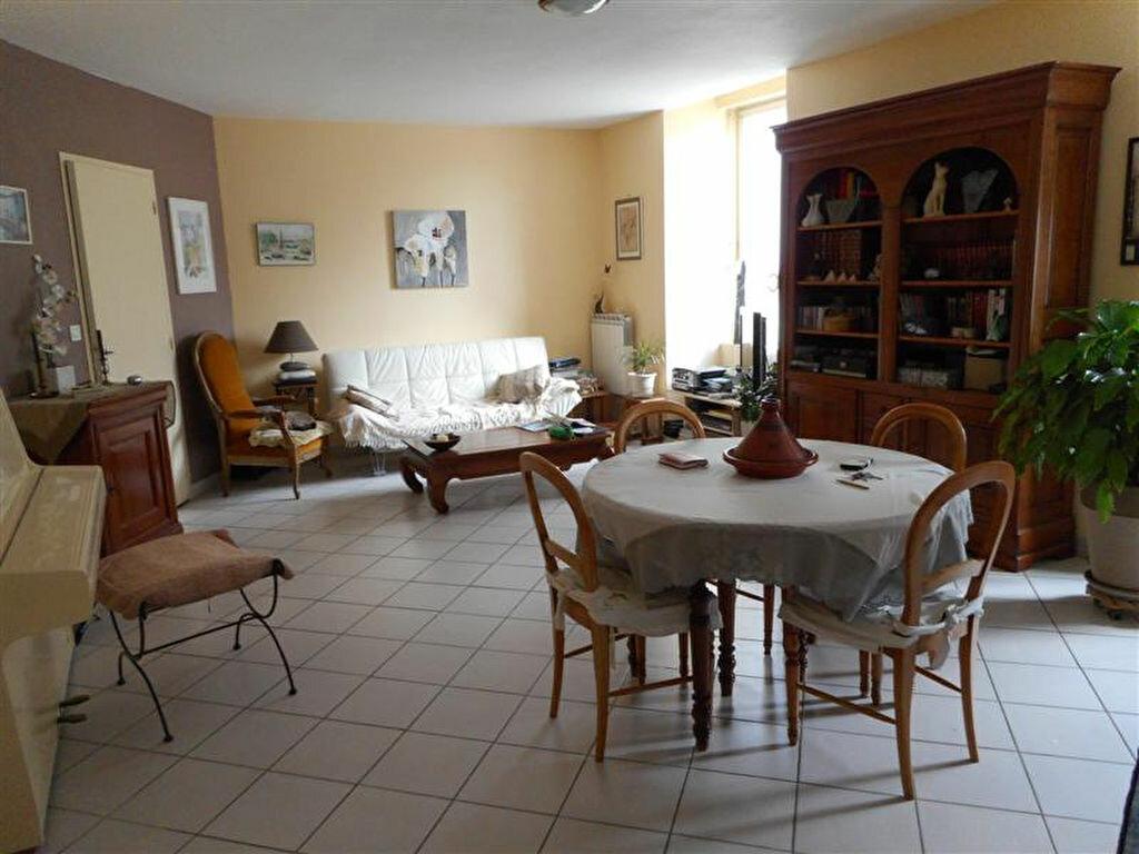 Achat Appartement 3 pièces à Vals-les-Bains - vignette-1